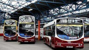 8 rzeczy, które powinieneś wiedzieć o jeździe autobusem po Edynburgu