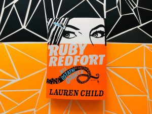 SHORTIE: Ruby Redfort. Weź ostatni oddech